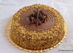 Tort grilias cu ciocolata si nuci caramelizate