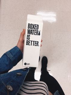 Boxed water looks dope // the outfit 👌🏼 Boxed Water Is Better, Water Aesthetic, Box Water, Food Goals, Tumblr Photography, Summer Drinks, Business Fashion, Life Is Good, Good Food