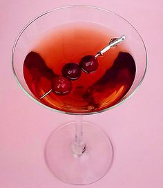 The Recipe: To Be Or Not To Be: Dainty Cranberry Gimlet annefretz.blogspot.com  Sunsets and Cocktails