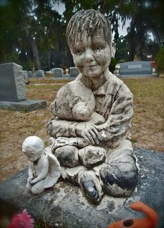 Photo by Dick Bjornseth ( taken before their time ) This poor innocent child died from an unknown illness Cemetery Monuments, Cemetery Statues, Cemetery Headstones, Old Cemeteries, Cemetery Art, Graveyards, Angel Statues, Unusual Headstones, Gardens Of Stone