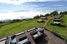 【公式サイト】清里テラス KIYOSATO TERRACE |サンメドウズ清里 Sun Meadows Kiyosato Beautiful Places In Japan, Yamanashi, Window View, Outdoor Furniture Sets, Outdoor Decor, Terrace, Golf Courses, Relax, Balcony
