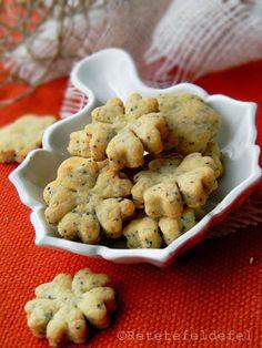 Zilele trecute mi-era dor de ceva sarat de rontait si am preparat niste biscuiti …
