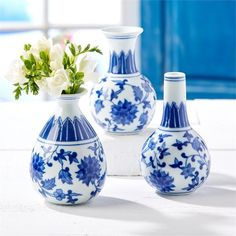 $44.00 Two's Company Canton Collection Set of 3 Bud Vases
