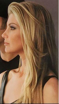 Faith Hill/pretty makeup and hair Most Beautiful Faces, Beautiful Celebrities, Beautiful Beautiful, Tim And Faith, Tim Mcgraw Faith Hill, Non Plus Ultra, Photo Souvenir, Thing 1, Pretty Face