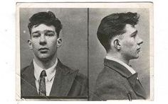 Pictures of Ronnie and Reggie Kray when they were little more than fresh faced teenagers have emerged. Real Gangster, Mafia Gangster, The Krays, Life Of Crime, History Of Photography, Famous Places, Mug Shots, Old Photos, Vintage Photos