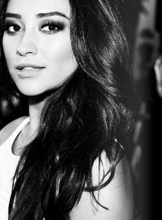 Shay Mitchell  people say we look a like - ill take it lol
