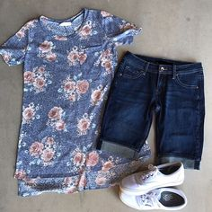 Believe us when we tell you this Heathered Navy Floral Tee and those Shorts will be your go to outfit this summer.  The shirt is made of the softest material, and the shorts have the perfect stretch.. Shop the link in our profile now   #summerstyle #fashion #oliveandrust #oliveandrustboutique  #love #floral #floraltee #shorts