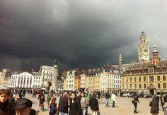 Grand place de Lille sous un ciel apocalyptique @meteocity .com