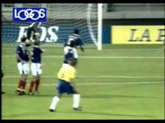 Roberto Carlos - One of the greatest free kick of all time.