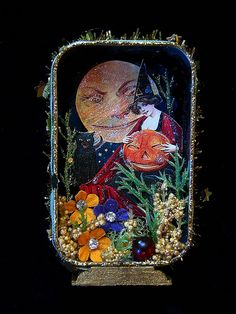 Vintage Halloween Shadow Box | Flickr - Photo Sharing! Halloween Shadow Box, Halloween Ii, Halloween Ideas, Vintage Halloween Crafts, Halloween Decorations, Altered Tins, Tin Boxes, World Best Photos, Holidays And Events