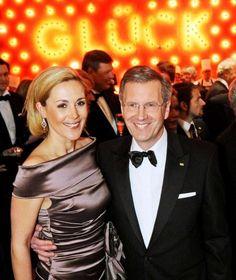 Sind sie wieder ein strahlendes Paar wie hier 2010, als Christian Wulff, damals noch Bundespräsident, mit seiner Ehefrau Bettina den Bundespresseball in Berlin besuchte?