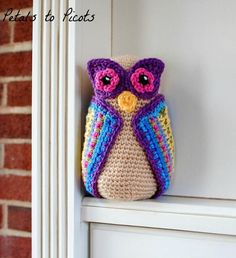 This owl is totally adorable! I want one! - Owl crochet pattern