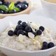 4 Grains (Besides Oats) to Try for Breakfast. To avoid oatmeal burnout this winter, try one of these simple, tasty recipes. Breakfast And Brunch, Health Breakfast, Breakfast Recipes, The Oatmeal, Food For Sleep, Tasty, Yummy Food, Cooking Chef, Small Meals