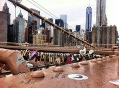 Love locks ❤️ Brooklyn Bridge ✨ Lower Manhattan ✨ Financial District ✨ World Trade Center ✨ New York ❤️