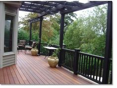 We design and build custom decks to complement the beauty of your unique setting. See how a masterfully crafted decking and rails can improve your vistas.