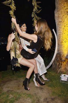 - Kendall Jenner, Cara Delevingne & Kylie Jenner