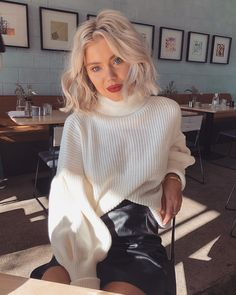 Happy Wednesday turtleneck knits are definitely a fav and I am obsessed with this one Fall Winter Outfits, Winter Fashion, Summer Outfits, Stylish Outfits, Cute Outfits, Laura Jade Stone, Fashion Idol, Under Dress, Outfit Goals