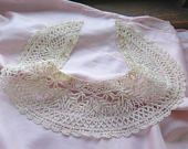 Antique Cluny Bobbin Lace Collar in Ivory Flax