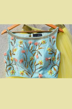 63 Trendy Ideas For Skirt Long Blue Crop Tops Saree Blouse Neck Designs, Stylish Blouse Design, Fancy Blouse Designs, Crop Top Designs, Kurti Designs Party Wear, Yellow Lehenga, Skirt Patterns, Blouse Patterns, Crop Top With Skirt