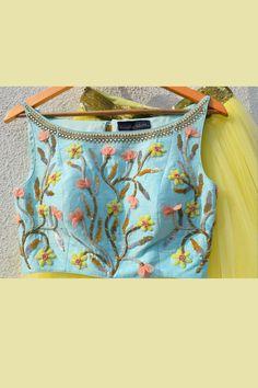 63 Trendy Ideas For Skirt Long Blue Crop Tops Stylish Blouse Design, Fancy Blouse Designs, Bridal Blouse Designs, Saree Blouse Neck Designs, Crop Top Designs, Kurti Designs Party Wear, Yellow Lehenga, Skirt Patterns, Blouse Patterns
