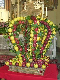 Marling: Erntedankfest - Apfelkrone