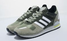 adidas ZX 700 'Tent Green/White' With 2014 well underway, adidas Originals has just reissued a new version of the classic adidas ZX 700 model. Sneakers N Stuff, Adidas Sneakers, Adidas Zx 700, Sneaker Games, Sport Fashion, Adidas Originals, Bliss, Trainers, Vogue