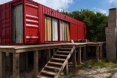 Échale un vistazo a este increíble alojamiento de Airbnb: Cabaña Container - Casas en alquiler en Punta del Diablo