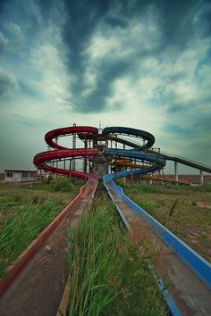 Abandoned Amusement Parks - Some of these are strangely beautiful. (Although being in an abandoned amusement park would be creepy it could be cool too. and also sad. Abandoned Mansions, Abandoned Buildings, Abandoned Places, Abandoned Castles, Abandoned Theme Parks, Abandoned Amusement Parks, Lake Shawnee Amusement Park, Places Around The World, Around The Worlds