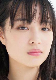 Posted by Sifu Derek Frearson Japanese Beauty, Japanese Girl, Asian Beauty, Artists And Models, Female Models, Cute Asian Girls, Beautiful Asian Girls, Eyeliner Tape, Ulzzang Girl