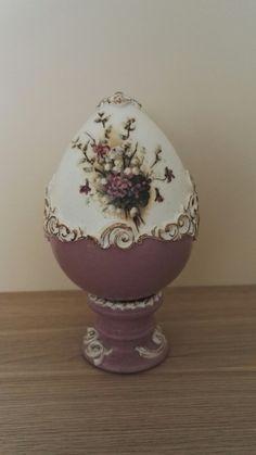 Easter Egg Crafts, Easter Projects, Easter Eggs, Decoupage, Egg Shell Art, Easter Egg Designs, Faberge Eggs, Egg Art, Cardboard Crafts
