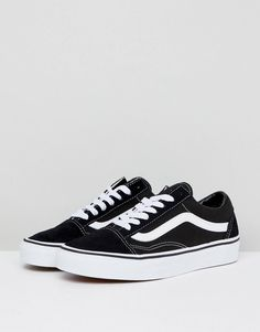 0f417b5cac9b Vans Classic Old Skool trainers in black and white at asos.com