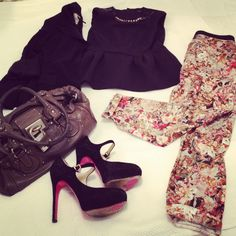 A MOM OUTFIT: BUSINESS MEETING on www.fiammisday.com  fashion mom