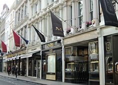 Probably Europe's busiest boulevard: Bond Street, London, UK http://etb.ht/1vf06H5  by Kelly Michelle