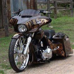 Harley Davidson News – Harley Davidson Bike Pics Custom Motorcycle Paint Jobs, Harley Davidson Custom Bike, Harley Davidson Street Glide, Harley Davidson Motorcycles, Custom Motorcycles, Custom Bikes, Custom Cycles, Triumph Motorcycles, Bagger Motorcycle