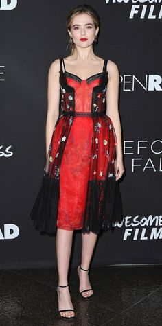 Zoey Deutch was an absolute stunner at the Before I Fall premiere in this lingerie-inspired dress with a corset bodice, tulle and lace detailing, and floral embroidery. The actress kept the spotlight on the dress by pairing it with minimalist sandals and black and silver earrings by Irene Neuwirth.