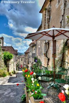 Saint Cirq Lapopie, France >> http://ordinarytraveler.com/articles/saint-cirq-lapopie-the-most-beautiful-village-in-france