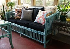 Vintage Wicker Gets a Makeover Painted vintage rattan furniture Indoor Wicker Furniture, Painting Wicker Furniture, Wicker Couch, Bamboo Furniture, Painted Furniture, Furniture Design, Upcycled Furniture, Furniture Ideas, Tropical Furniture