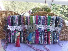 Handicraft, Clutch Bag, Straw Bag, Diy Ideas, Jeans, Log Projects, Fabric Purses, Manualidades, Denim Bag