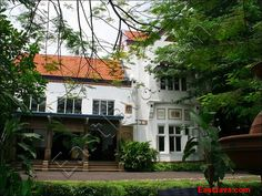 CCCL Surabaya    Centre Culturel et de Coopération Linguistique de Surabaya or CCCL Surabaya is one of the 430 French cultural centers which is spread through the 150 nations. CCCL Surabaya, that is under the French embassy in Jakarta, was exist since    Warning don't miss out  Click the link below