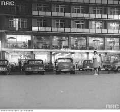 Zdjęcie numer 9 w galerii - Warszawa w latach 70. Pochody, czyny społeczne, neony [GALERIA]