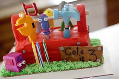 Handy Manny tools cake!