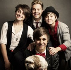 Dear @Karise + Cori  hehehe I miss you and before you left you called Everfound emo and I never got back to you on that ;) but lets evaluate this picture haha all I see is some pretty hott happy guys..and a dog :p lol miss you!