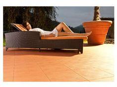 Die Terrasse mit der Terrassenplatte Terra-TEC und dem mediterranen Flair auslegen