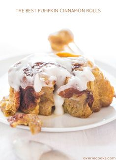 The Best Pumpkin Cinnamon Rolls Recipe - Super soft, fluffy, and topped with a cream cheese glaze! Move over Cinnabon, these are better! Best Pumpkin, Pumpkin Spice, Pumpkin Recipes, Fall Recipes, Top Recipes, Apple Recipes, Thanksgiving Recipes, Yummy Recipes, Recipies