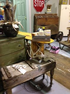 Old artillery box into a table! By the redneck designers