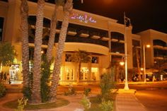 Ele & Elis Blog: Armed Men Attack Egypt Tourist Hotel