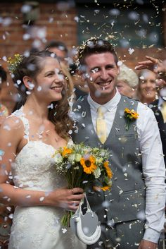 Throwback to a beautiful wedding day at York Maze for Helen and Matt, we love this photo