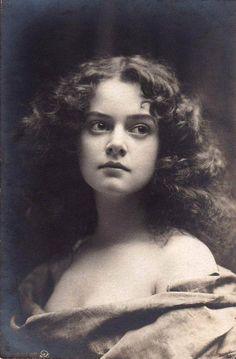 Vintage beauty - Minnie Ashley, 1897
