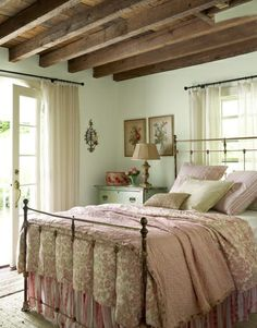Need curtain rods to match my iron bedframe, details make the difference!