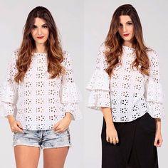 Para un look casual o más elegante... Blusa de Hojarota 'Lisboa'  Tallas: S, M, L y XL Colores: Blanco y Ivory  Informacion y Ventas:  +57  3154396342 ✉️ ventas.anarias@gmail.com ⏰ 8am - 6pm #hojarota #boleros #moda #fashion #estilo #closetinteligente #mujeresestilosas #musthave #mangascampana #campana #tendencia #onlineshopping #fashiononline #tops #blusas #hechoencolombia #newdesigner